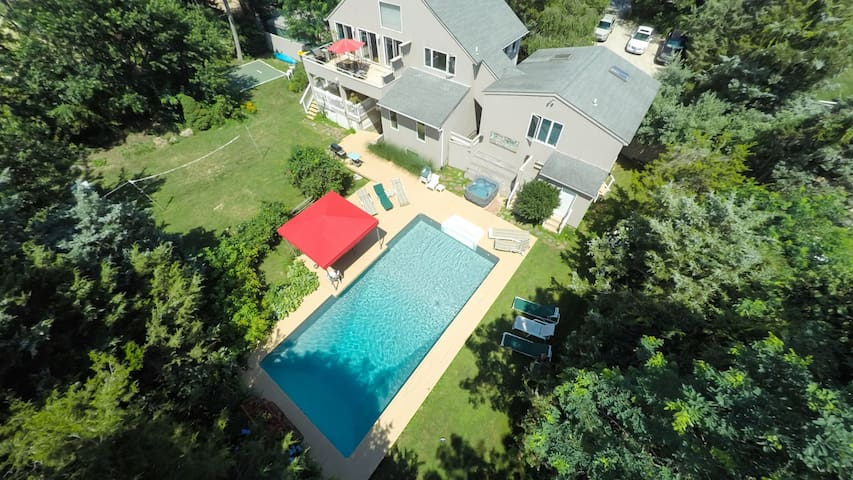 Amenities Galore in Water Mill: Pool, Hot Tub, Terrace, Sleeps 16, Great for Groups