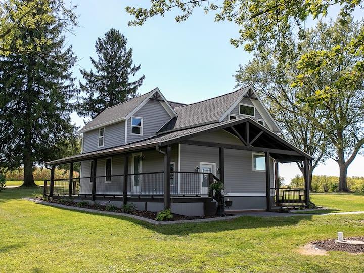 Enjoy 36 Acres in a private Farm House - Sleeps 10