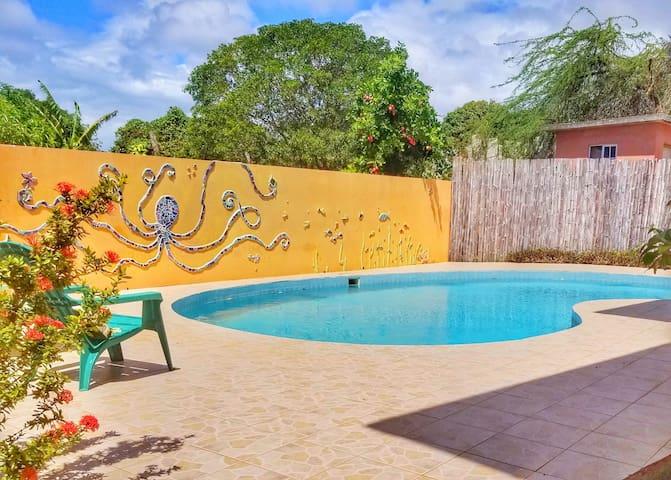 Seaside Villa - Island Breeze - Bdrm 5 with pool