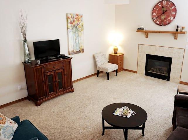 Colorado Springs Sunny Basement Apartment