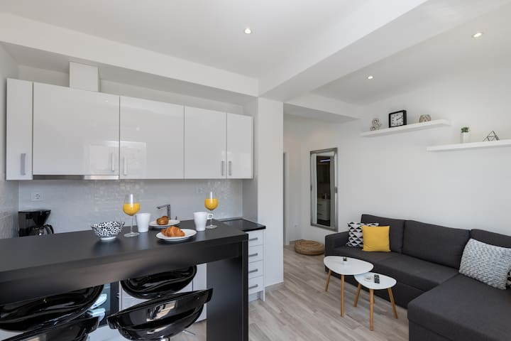 Apartments Siblings - Superior One Bedroom Apartment with Terrace and Garden View