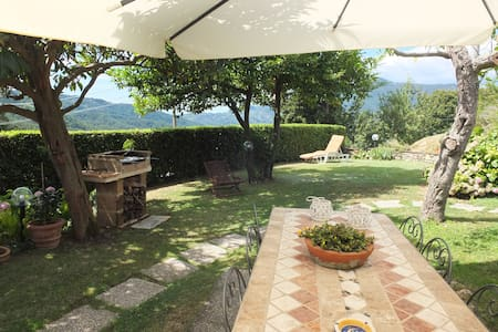 Casa Chiara per un soggiorno rilassante. - กามาโยเร