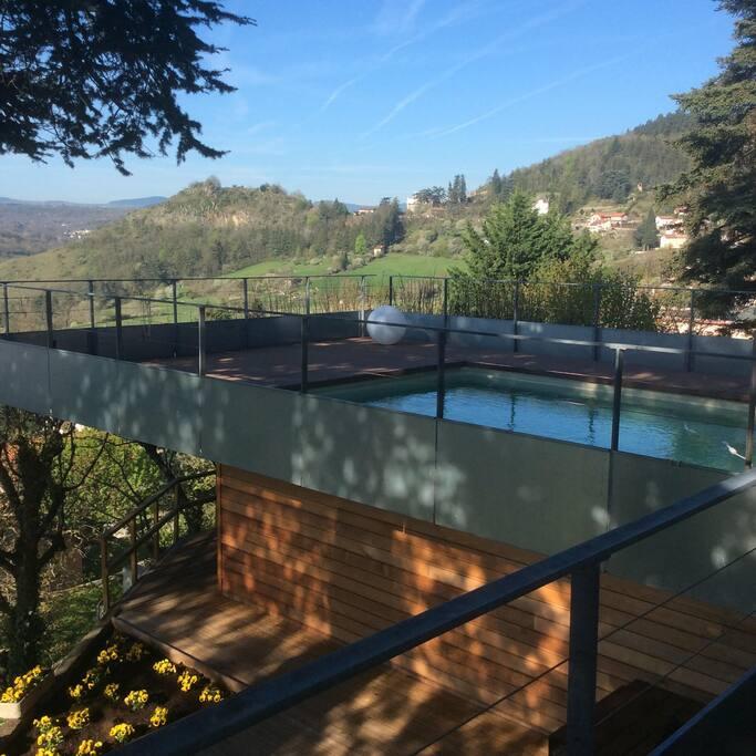 Studio ind pendant vue piscine appartements louer for Piscine saint marcel