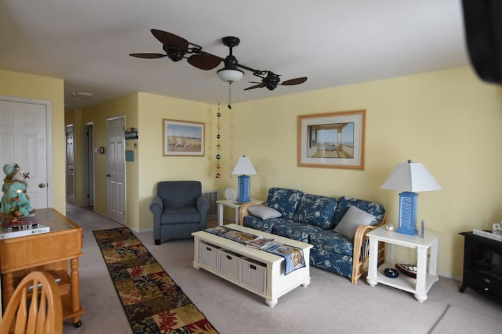 Lovely 2BD condo, 5 parking spaces! - West Cape May - Apartment