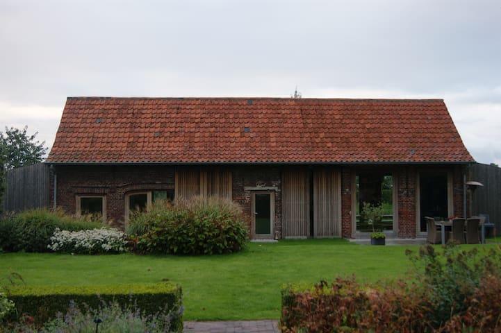Een inspirerende sfeervolle ruimte - West Flanders - Bed & Breakfast
