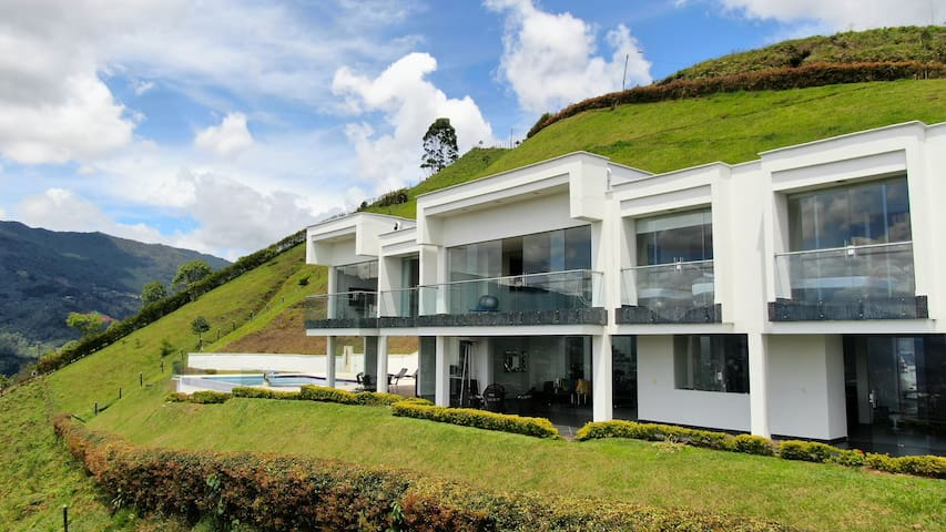 Mansion on top of the world, wonderful experience