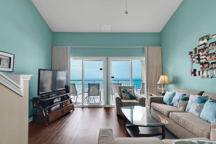 Wonderful 3rd Floor Condo! Gulf Front, Pool, Beach Boardwalk, in Heart of Destin