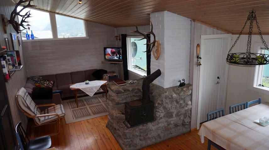 Cabin in Fjaerland (Mundal)