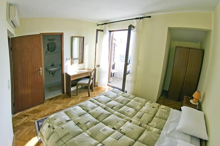 Guesthouse Moretic - Double Room with Garden View 2