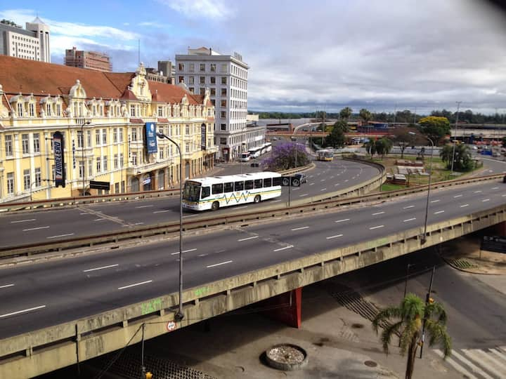Apartamento mobiliado no Centro de Porto Alegre