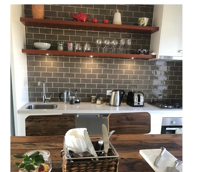 Apartment-style bed and breakfast in heart of Robe