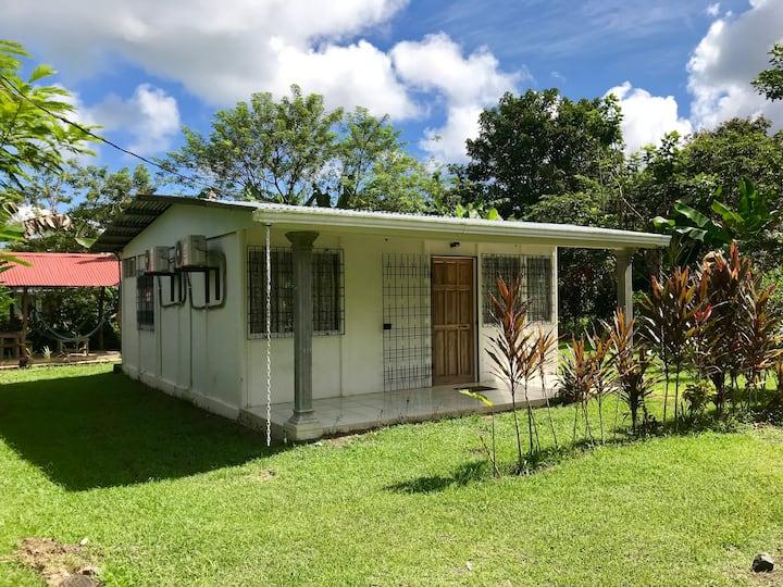 6 Guest-Full A/C Private Family Home-Casa Surena