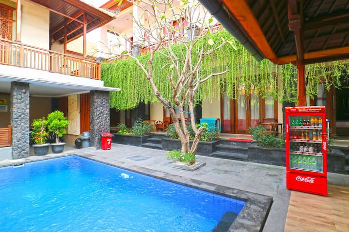 Cheap Room with pool in Sanur 3mnt to Night Market