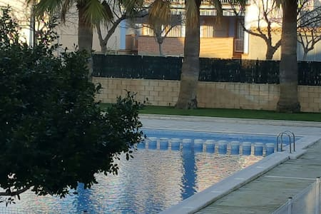 Apartamento en la playa con piscina - Puçol