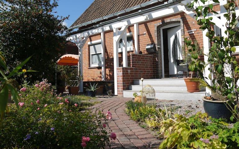 Gemütliche Zimmer nahe Lüneburg - Reppenstedt - Huis
