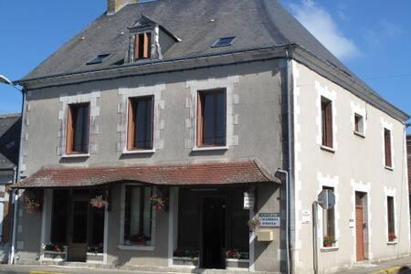 L'ECLIPSE 37 - Saint-Nicolas-des-Motets