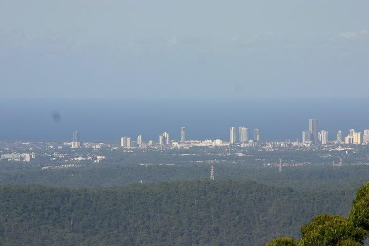 Tamborine Mountain Spectacular Gold Coast Views