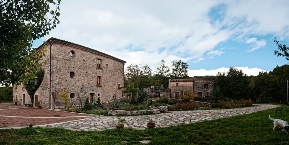 Casale Kolidur - Country House - Guardiaregia - Bed & Breakfast