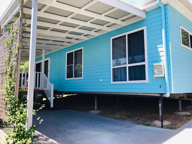 Scott's Head Surf Shax #4 Teal Bungalow