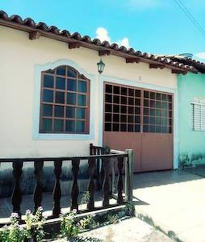 Casa da Célia - Quarto com ventilador