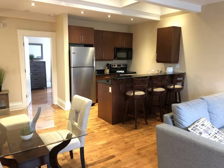 2 bedroom Condo Suite on Bland