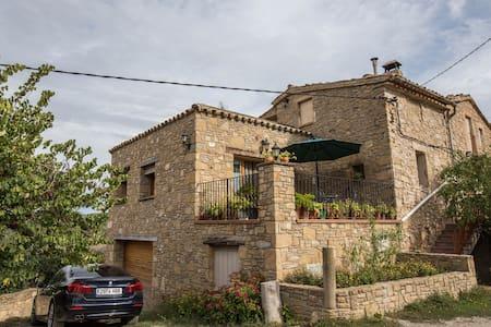 Room with Montserrat - Castellbell i el Vilar