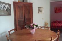 séjour : côté salle à mange