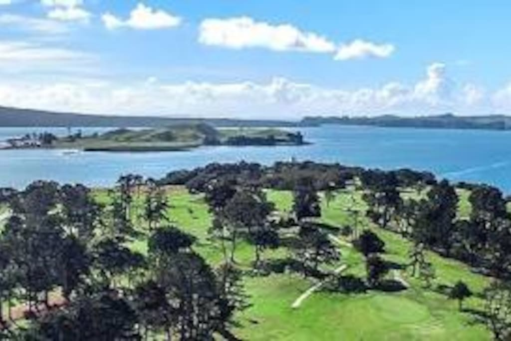 Howick Golf Course 5 minutes drive