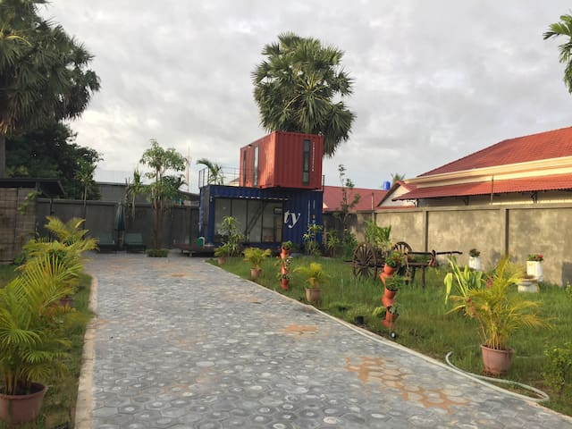 Charming Siem Reap Container House - Siem Reap