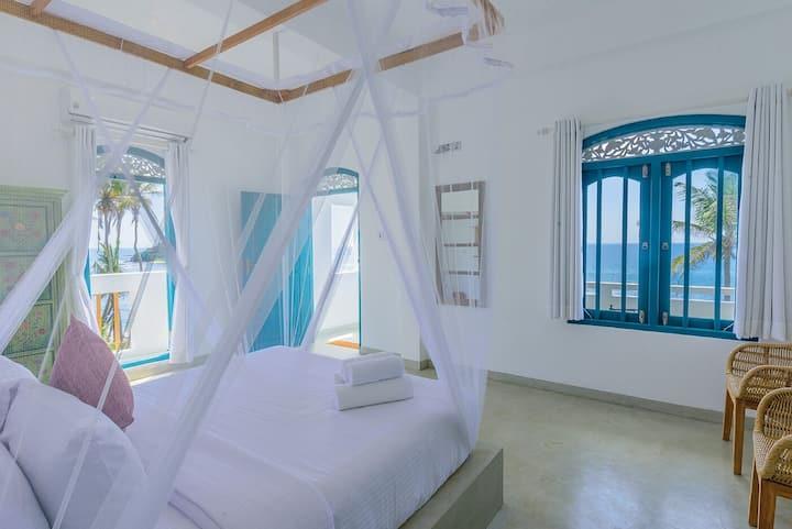 Lighthouse Ahangama, Sweet 1