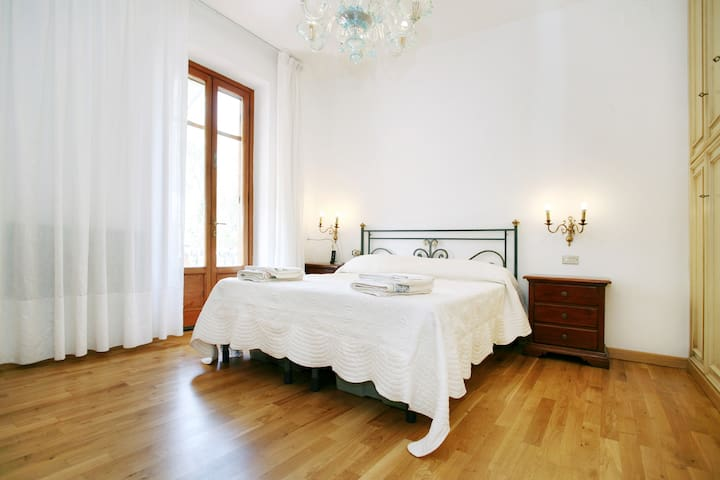 Casa Ortensia - Room with balcony - Lucca - Haus
