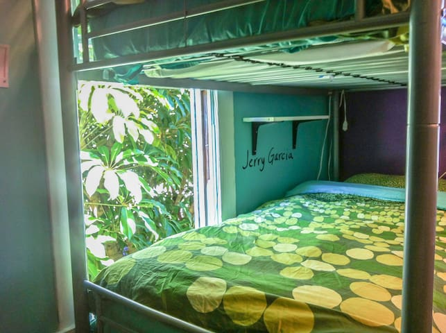 1 Bed in Shared Room in Downtown's Top Hostel