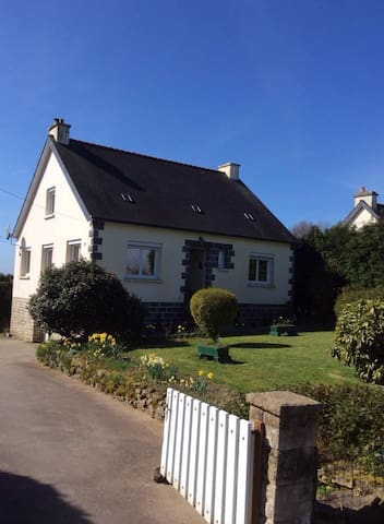 Kervilin B&B, Rostrenen France - Rostrenen - Bed & Breakfast