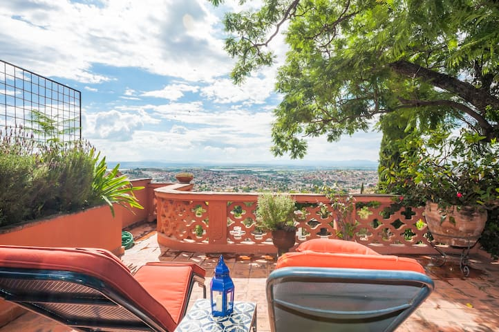 Casita Ruby - Centro with a View