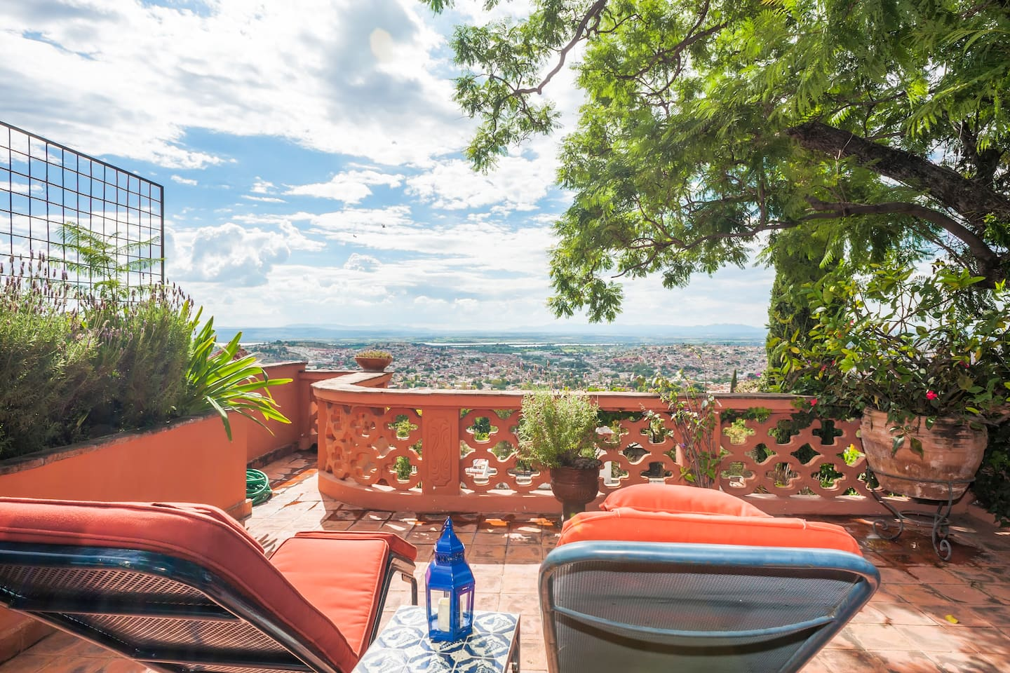 Casita Ruby has a sweeping view of the city