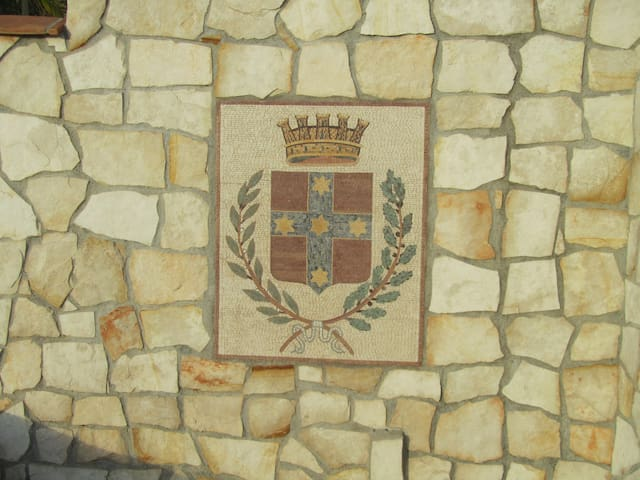Camporosso coat of arms