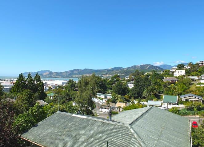 Organic Port Hills Hideaway - Nelson