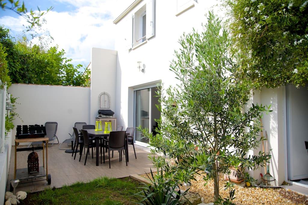terrasse et jardinet privatif au calme et sans vis à vis