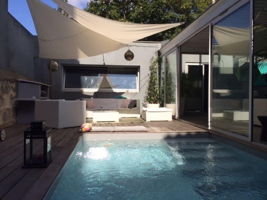 Loft avec piscine en plein centre maisons de ville for Location loft bordeaux