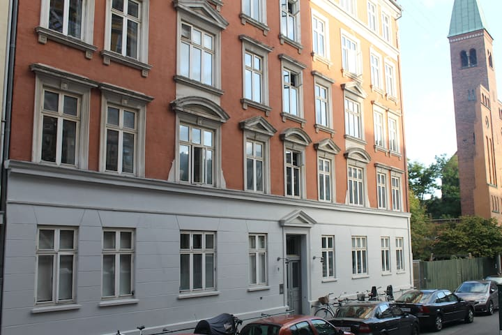 Charming apartment in CPH.