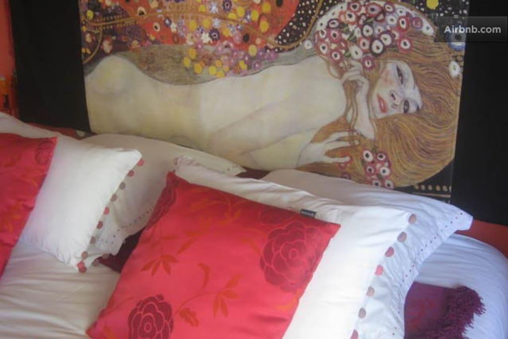 Tête de lit de la chambre Corail en Aquitaine - Klint à l'honneur