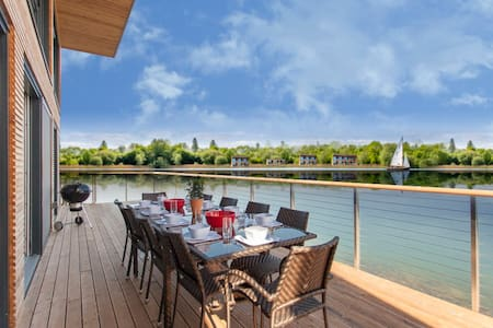 Longcross Waters at Lakes by Yoo sleeps  10 +2kids - Gloucestershire - Dům