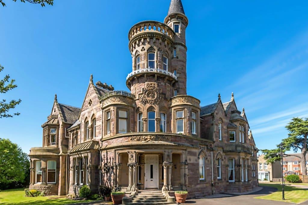 Edinburgh: Luxury Victorian Mansion, near centre ...