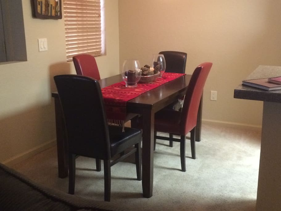 Dining area - seats 6