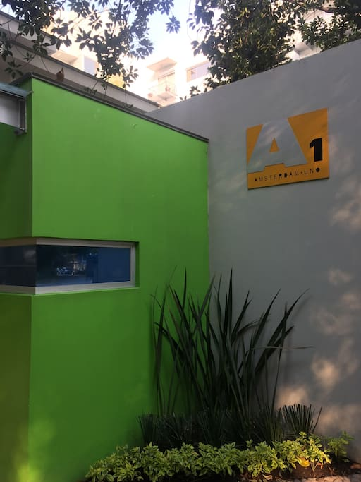 Street entrance - 24 hrs private security