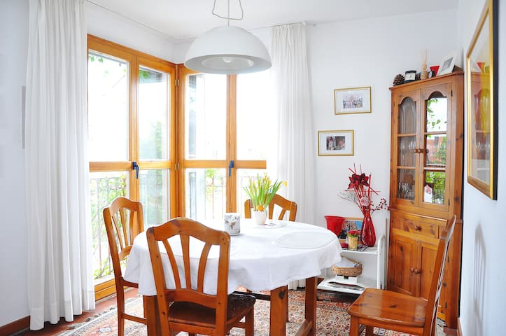 Beautiful room in amazing location - Ladenburg - Casa