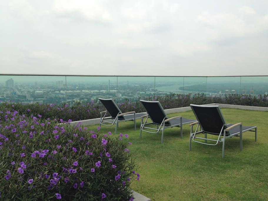 Roof top garden offers panoramic view of the city and ChaoPraya river.
