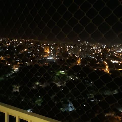 LINDO, ACONCHEGANTE APARTAMENTO CENTRO SANTO ANDRE
