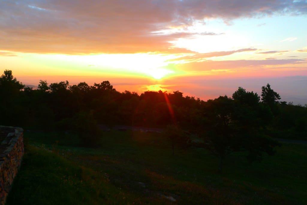 Spectacular sunrise and sunset over the Blue Ridge