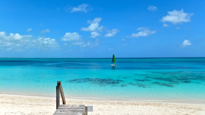 Grace Bay Beach Eco 1 Bed Cottage - Providenciales - Huis